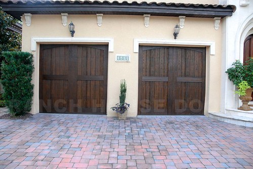 wooden designer faux woodendoor amarr customdoor clopay customgaragedoors customwooddoor garagemakeover elementscollection customwoodgaragedoors acukue fatezzi ranchhousedoors fauxwoodgaragedoor carriagestyle overheadgarage