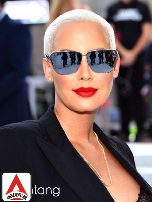#Gosip Top :Modal Cantik, 10 Selebriti Ini Terkenal Tanpa Prestasi
