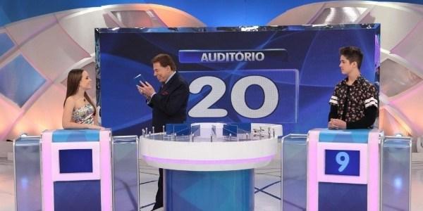 """Só falta o Leonardo se casar com a Gretchen"", brinca Silvio Santos"