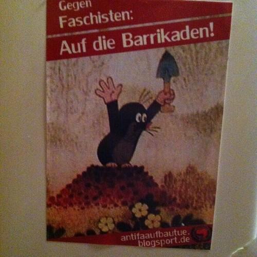 Gegen Faschisten: Auf die Barrikaden!  antifaaufbautue.blogsport.de  #jesuischarlie