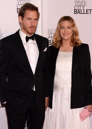 Drew Barrymore entra com pedido de divórcio após anunciar separação