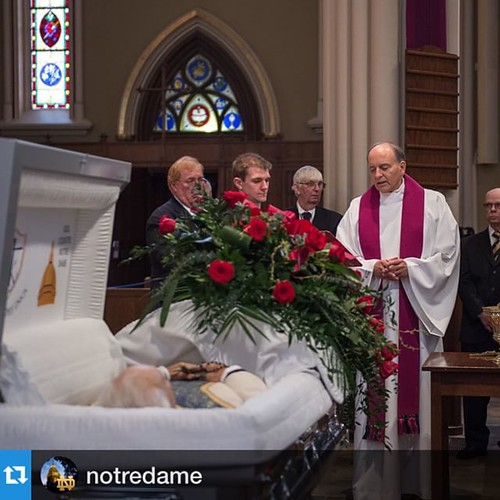 #Repost @notredame:Fr. Peter Rocca prays over the body of University President Emeritus Fr. Theodore Hesburgh at the beginning of the visitation. Visitation will continue until 6 p.m. and resume after the private Wake Service from 9 p.m. to 10 a.m. tomorr