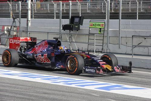 Carlos Sainz Jr in the Toro Rosso in 2015 Formula One Winter Testing