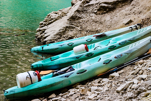"Kayaks, Verdon Gorge • <a style=""font-size:0.8em;"" href=""http://www.flickr.com/photos/134584068@N03/28961067075/"" target=""_blank"">View on Flickr</a>"