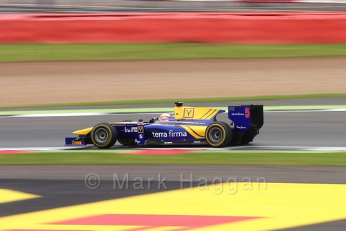 Alex Lynn in the DAMS car in the GP2 Feature Race at the 2016 British Grand Prix