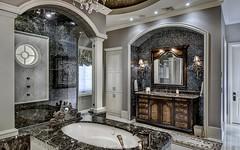 Villa Belle - Master bath