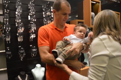 Até o Bernardo foi, com o papai Rafael, pra ver vovó Zilma,