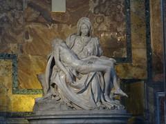 2011 05 09 Saint Peter's Basilica - Michelangelo's Pieta