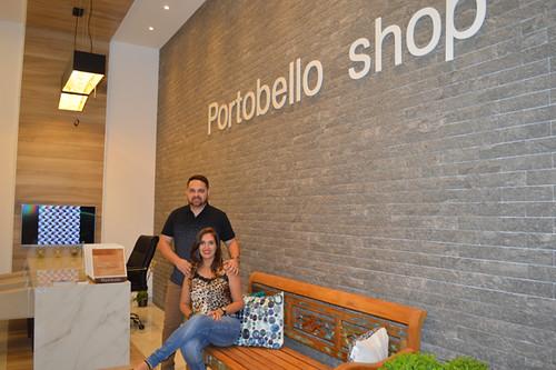 Lucas Ladislau e Karla no belo ambiente da Portobello Shop