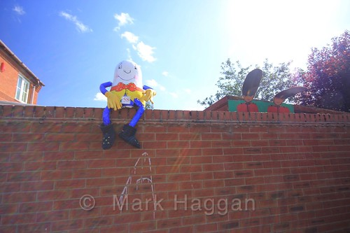 Humpty Dumpty Crow at the Heather Scarecrow Festival 2016