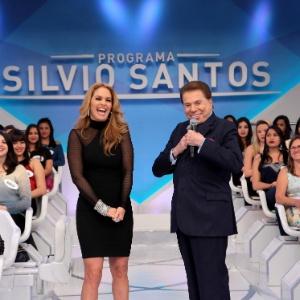 """Silvio Santos elogia beleza de Lucero: """"Melhorou, hein? Igual a Angélica"""""""