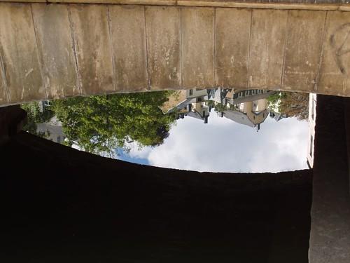 2004081500004_Grund_reflection