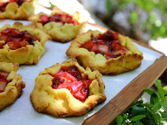 rhubarb galettes