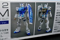ANA RX-78-2 Gundam HG 144 G30th Limited Kit  OOTB Unboxing Review (9)