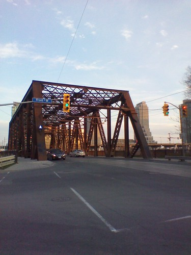 Sir Isaac Brock Bridge, Bathurst Street, April 2012 (2)