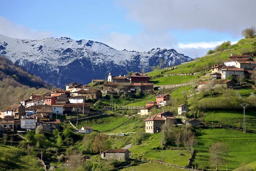 Paisaje rural de Asturias  La variada despensa que