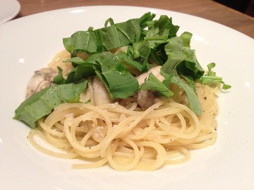 牡蠣とルッコラのスパゲティ@Oysterbar&Wine BELON (オイスターバー&ワイン ブロン)