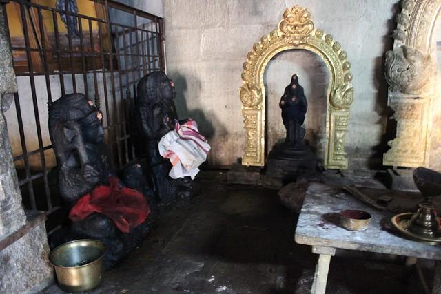In praharam - Saneeswarar. Thiruvisanallur,SivayoginatharTemple