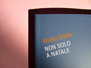 Roddy Doyle. Non solo a Natale, Guanda 2012. Disegno e grafica di copertina: Guido Scarabottolo. Copertina (part.), 3