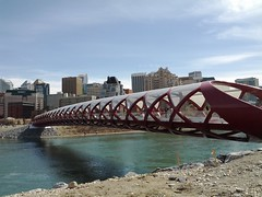 Calgary Peace Bridge by Santiago Calatrava - pix 01