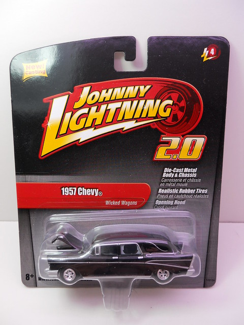 johnny lightning 1957 chevy hurse (1)