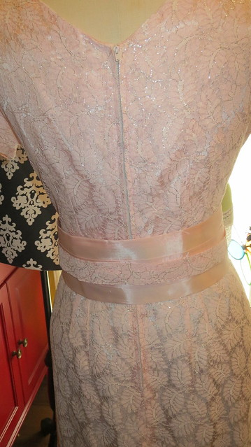 side of belt with out bow