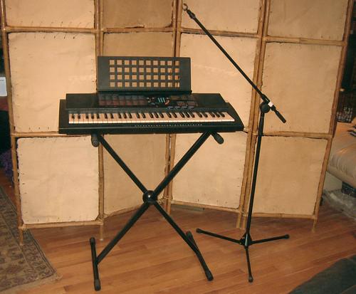20120603 - yardsale booty - 2 - keyboard and microphone stand - IMG_4354