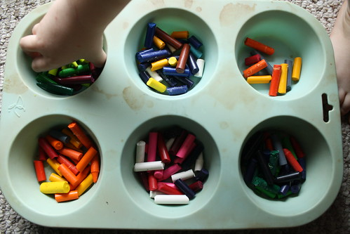 preparing the crayon cookies
