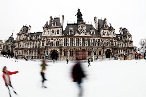 Ice-Skating at the Hôtel de Ville