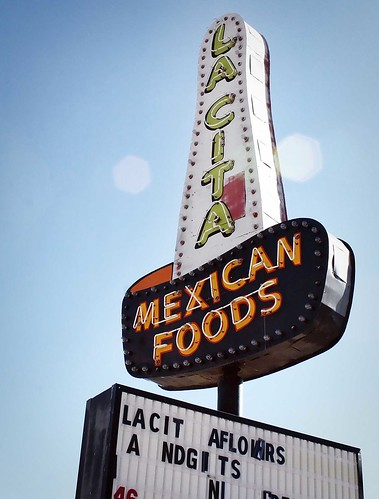La Cita Mexican Foods neon sombrero. Photo copyright Jen Baker/Liberty Images; all rights reserved.