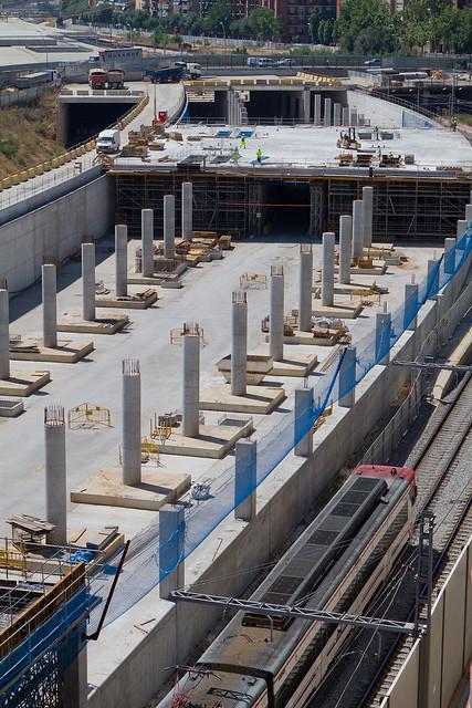 Vista de la primera losa de la cubierta de la nueva estación de Sant Andreu - 25-06-12