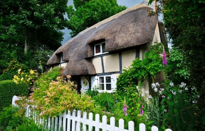 In An English Country Garden ...