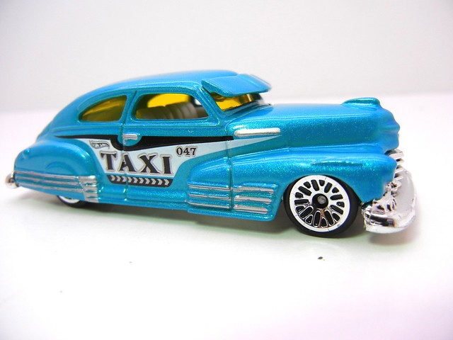 hot wheels '47 fleetline taxi teal (2)