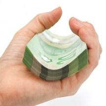 Tips for handling polymer notes / Conseils utiles pour la manipulation des billets en polymère