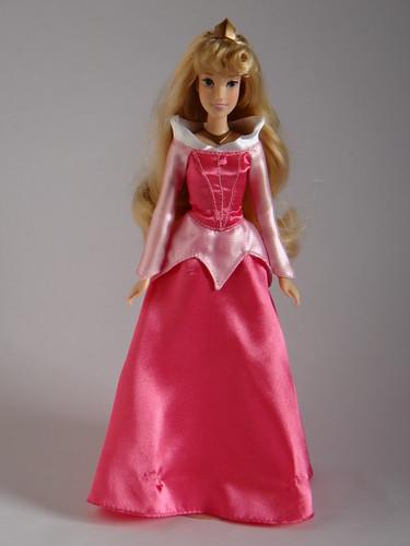 Aurora Disney Store Classic Film 123939 Doll Full Front
