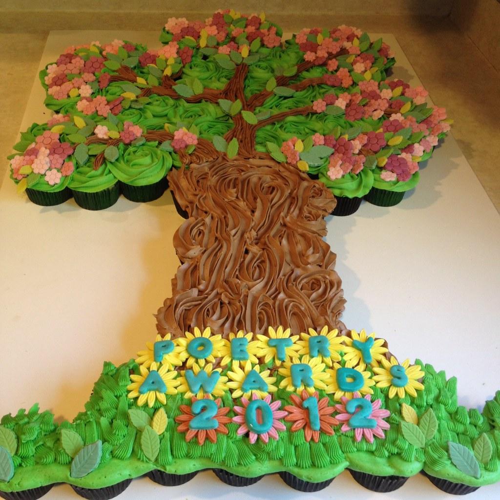 Gorgeous Must See Cupcake Cake Tree In Full Bloom By Sugar
