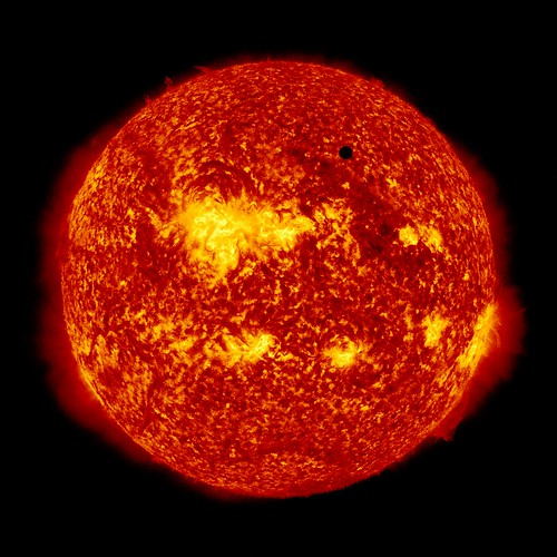 SDO's Ultra-high Definition View of 2012 Venus Transit - 171 Angstrom