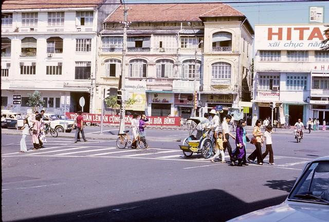 Saigon 1974 - Góc Lê Lợi - Pasteur