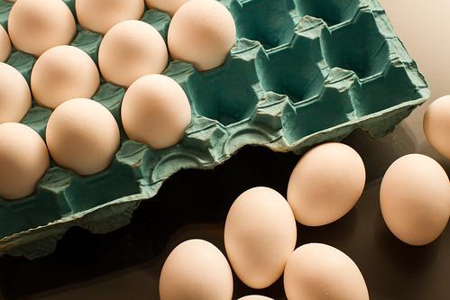 Eggs (color) by Luiz L.