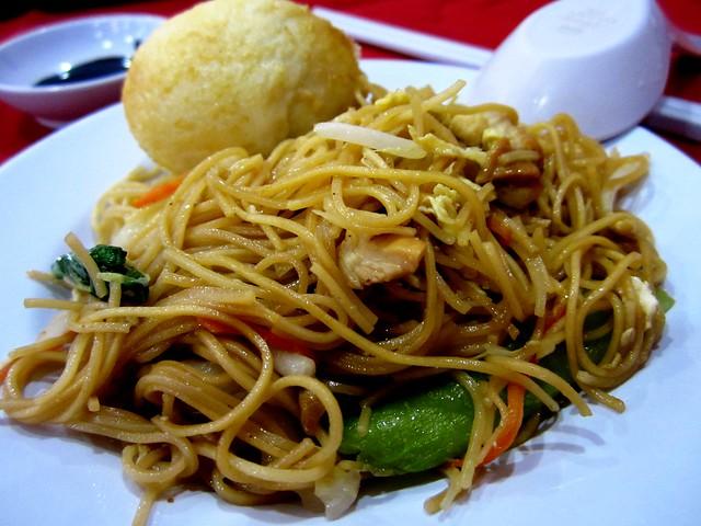 Fried mee sua with egg