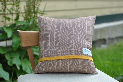 Modern Floral Pillow Back