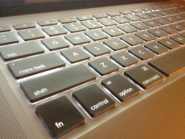 我的MacBook Pro (Retina Display) 入手!開箱文與用後感   Busy Holiday