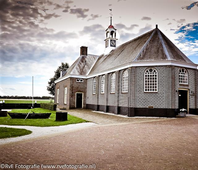 Hervormde kerk van Middelbuurt Schokland (04-08-2012).