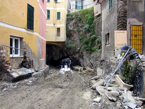 landslide damage in vernazza
