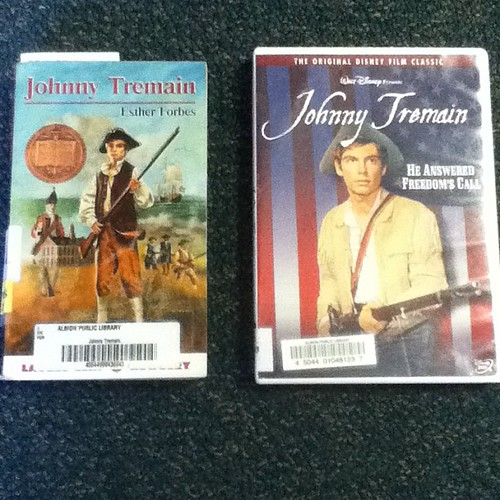 I'm guessing the one on the right doesn't count?? @mrschureads #nerdbery