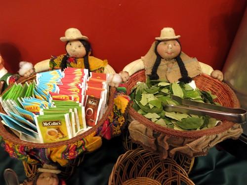 Breakfast buffet (tea, coca leaves)