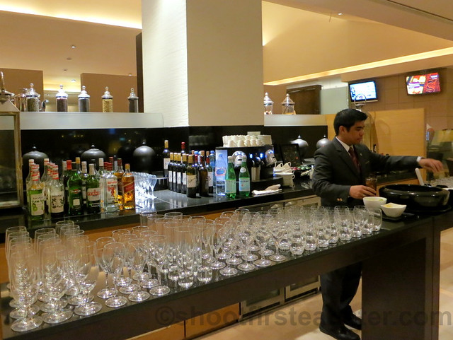 Qatar Airways Business Class Lounge at Doha International Airport-010