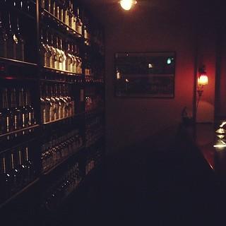 二次会で語り飲み。15年振りに来る店で閉店まで。