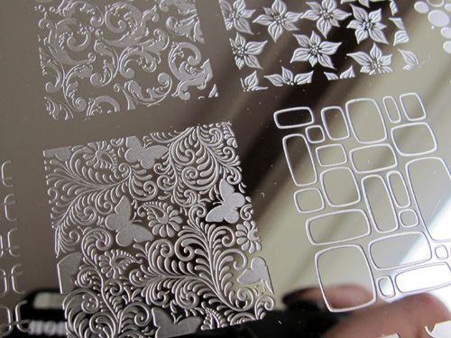 LeaLaC B stamping plate