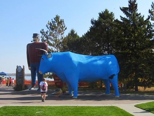 paul bunyan and babe the blue ox in bemidji
